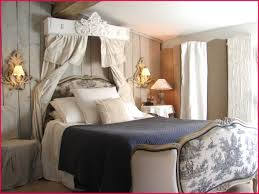 chambre a coucher style rideaux dacoration chambre coucher style inspirations et chambre à