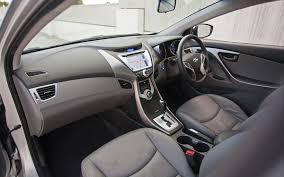 hyundai elantra price in india 750 bookings for hyundai elantra 2012 5th generation neo fluidic