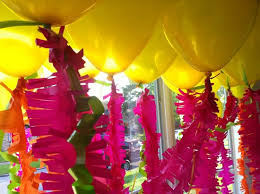cheap balloons easy cheap party decor pink yellow fringed balloons party
