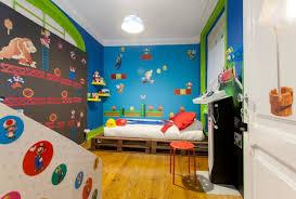 chambre mario l univers de mario dans une chambre airbnb à lisbonne