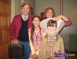 image carly s cousin ozlottis loves it when his mom presses on