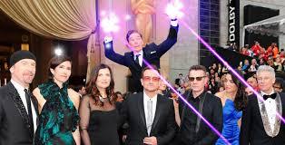 Benedict Cumberbatch Meme - oscars 2014 benedict cumberbatch spectacularly photobombs u2