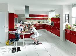 farbe küche coole rote farbe für die küche mit schwung frech und stylisch