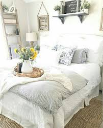 57 cozy farmhouse guest bedroom design ideas to make your guest