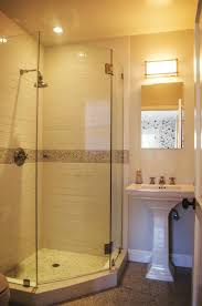 Shower Stalls For Small Bathrooms by Best 20 Corner Showers Bathroom Ideas On Pinterest Corner