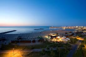 Sedie Regista Usate by Poltroncine Da Regista E Tavoli Per Locali Bar Spiaggia In Legno