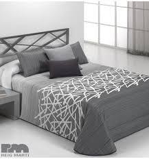 couvert lit les 25 meilleures id礬es de la cat礬gorie couvre lit gris sur