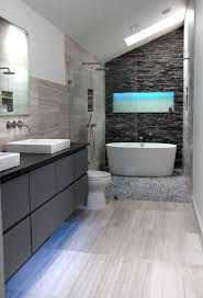 Modern Master Bathroom Designs 25 Best Ideas About Modern Master Bathroom On Pinterest Modern New