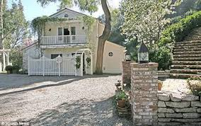 buy home los angeles taylor swift on the verge of buying 3 5m mansion in beverly hills