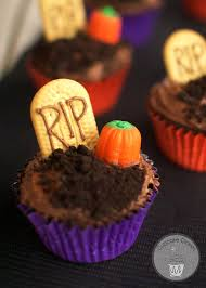 graveyard cupcakes 30 days of halloween 2014 day 1