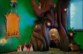 chambre dans un arbre un arbre rend magique la chambre d une fille