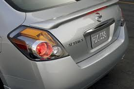 nissan altima tail light cover 2010 nissan altima 3 5 sr tail light picture pic image