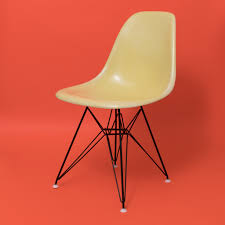 100 original charles u0026 ray eames herman miller fibreglass side