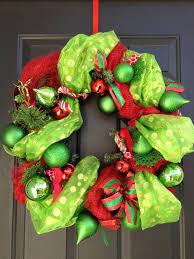 diy mesh garland christmas wreath brady lou project guru