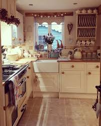 country cottage kitchen ideas adorable best 25 country cottage kitchens ideas on at