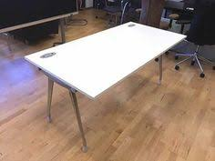 Buy And Sell Office Furniture by 3 X 6 Person Dynamobel White Bench Desks With Red Fabric Dividing
