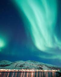 iceland northern lights package deals 2017 10 reasons to visit iceland in the winter northern lights lights