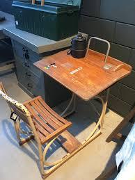 vieux bureau en bois beau vieux bureau en bois pour enfants avec base industrielle