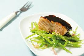 cuisiner des pois gourmands pavés de saumon teriyaki et salade de pois gourmands à la