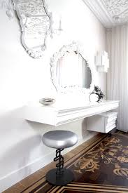 Vanity Set With Lighted Mirror Bedroom Vanities With Mirrors Including Vanity Sets Lighted Mirror
