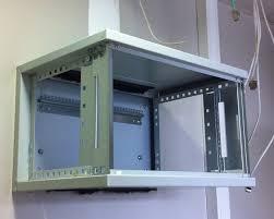 comment fixer un meuble de cuisine au mur fixation meuble cuisine placard haut la toujours fixer un suspendu