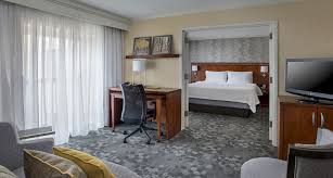Airport Hotels Become More Than A Convenient Pit Check In 10 Best Hotels Near Philadelphia Airport Trip101