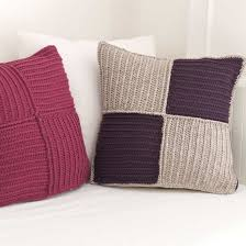 Knot Pillows by 20 2 12 101quickcrafts 078 Jpg