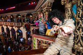 call halloween city halloween in chicago 2017 from haunted houses to costumes