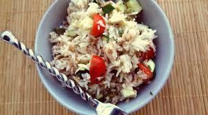 cuisiner courgette salade de riz à la courgette la tendresse en cuisine