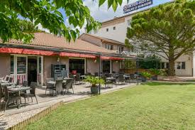 chambres d hotes aubagne hôtel restaurant relais d aubagne aubagne site officiel