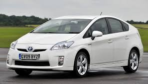 toyota hybrid cars used car buying guide 10 000 hybrid green flag