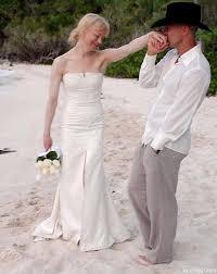 carolina herrera named designer of bella u0027s breaking dawn wedding gown
