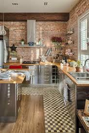 mur briques exposées dans la cuisine une très belle idée déco