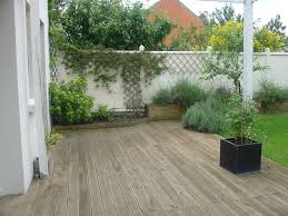 decoration petit jardin stunning petit jardin avec terrasse images amazing house design