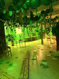 jungle theme decorations best 25 jungle party decorations ideas on jungle in