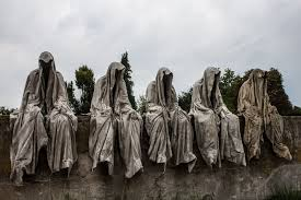 the guardians of time by manfred kielnhofer 10 amazing statues you