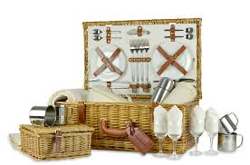 picnic basket for 4 luxury personalised gifts picnic basket 4 person