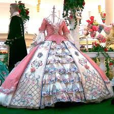 i think it would be awesome if i wore this dress and had someone