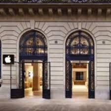 Apple Store Paris Paris Apple Store Hit By Armed Robbers The Latest News From The
