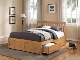 chambre adulte en bois massif lit bois massif finest lit bois rangement lit bois avec