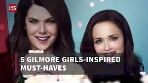 gilmore girls thanksgiving episode gilmore girls lorelei u0026 rory u0027s mother daughter goals instyle com