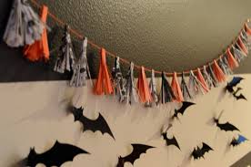 mommy cusses diy halloween garland
