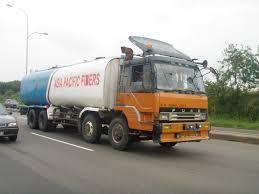 mitsubishi fuso 4x4 crew cab trucks u0026 lorries
