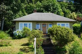 Craftsman House For Sale Homes Under 500 000 In College Towns