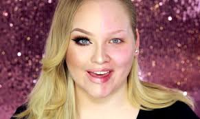 you makeup artist nikkie demonstrated the powerofmakeup in a video which inspired a social a movement