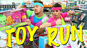 bjs halloween candy toy freaks run irl fun shopping race challenge u0026 best toys of 2016