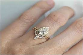 wedding band ideas pear shaped engagement rings with wedding bands best 25 pear