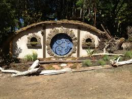 the construction of a hobbit hole make