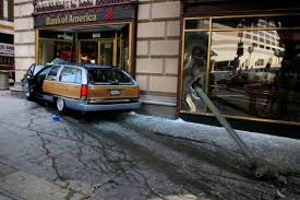 car crashes into bank at 7th and figueroa blogdowntown