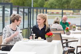 Das Esszimmer Bmw Restaurant Adac Fahrsicherheitszentrum Hansa